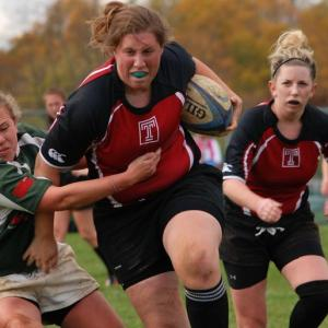 woman playing rugby