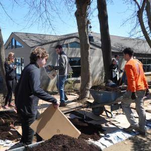 ASLA Student Chapter Volunteer Day at the Radnor ABC House.