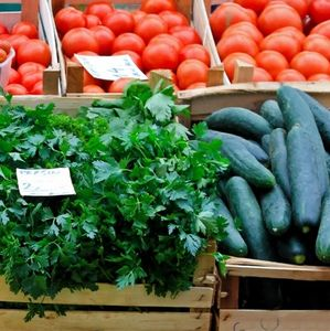 farmers market fresh vegetables