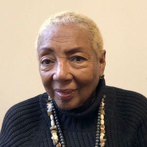 Phyllis Simms headshot